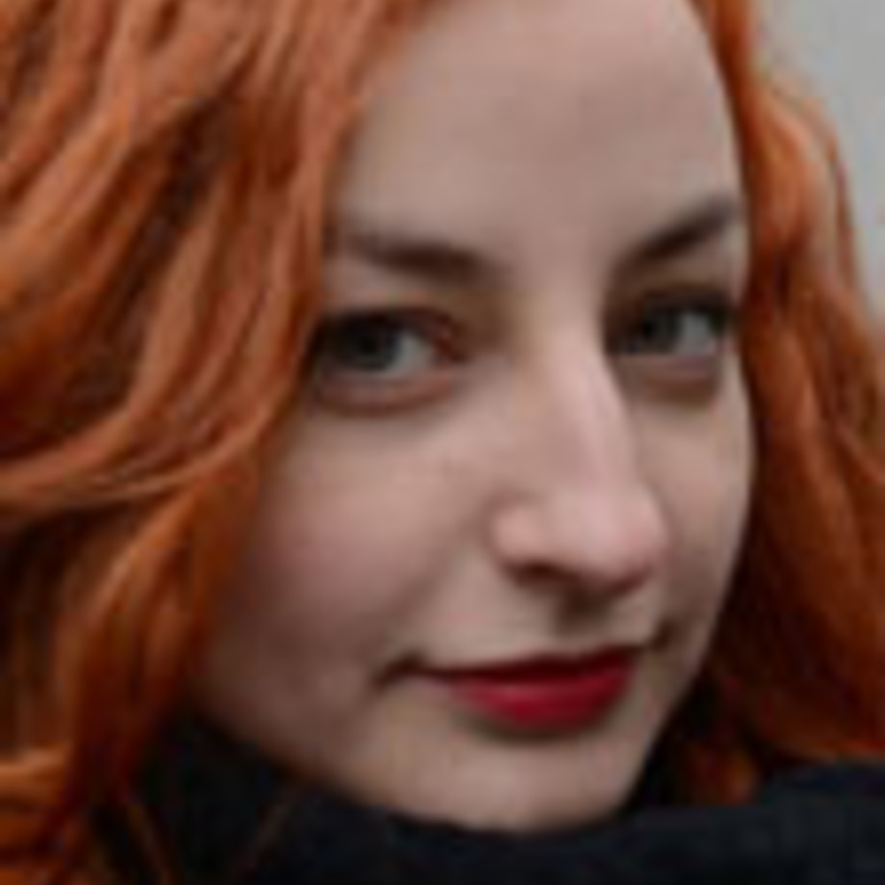 Nikola Frollová